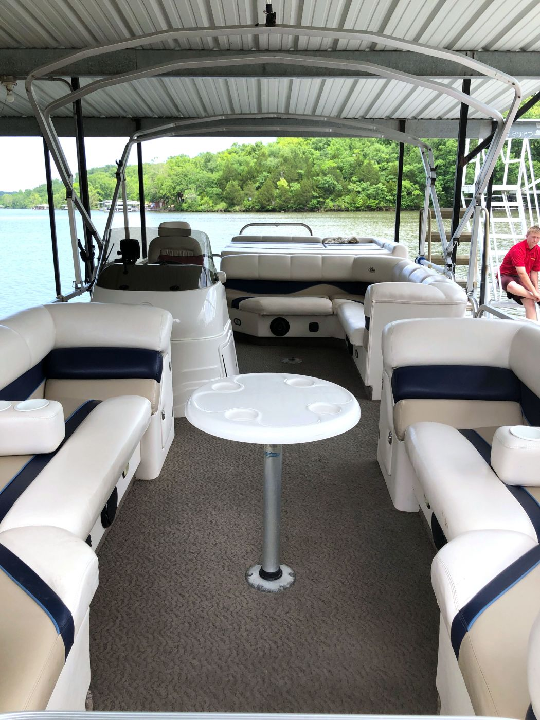 Pontoon Boat Cleaning
