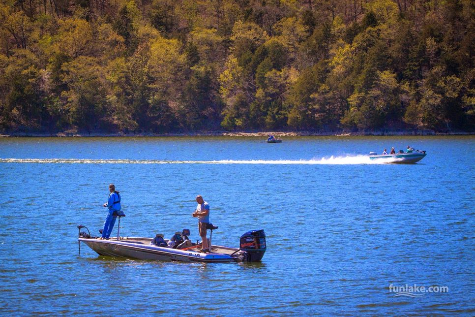 boating lake of the ozarks big bass bash