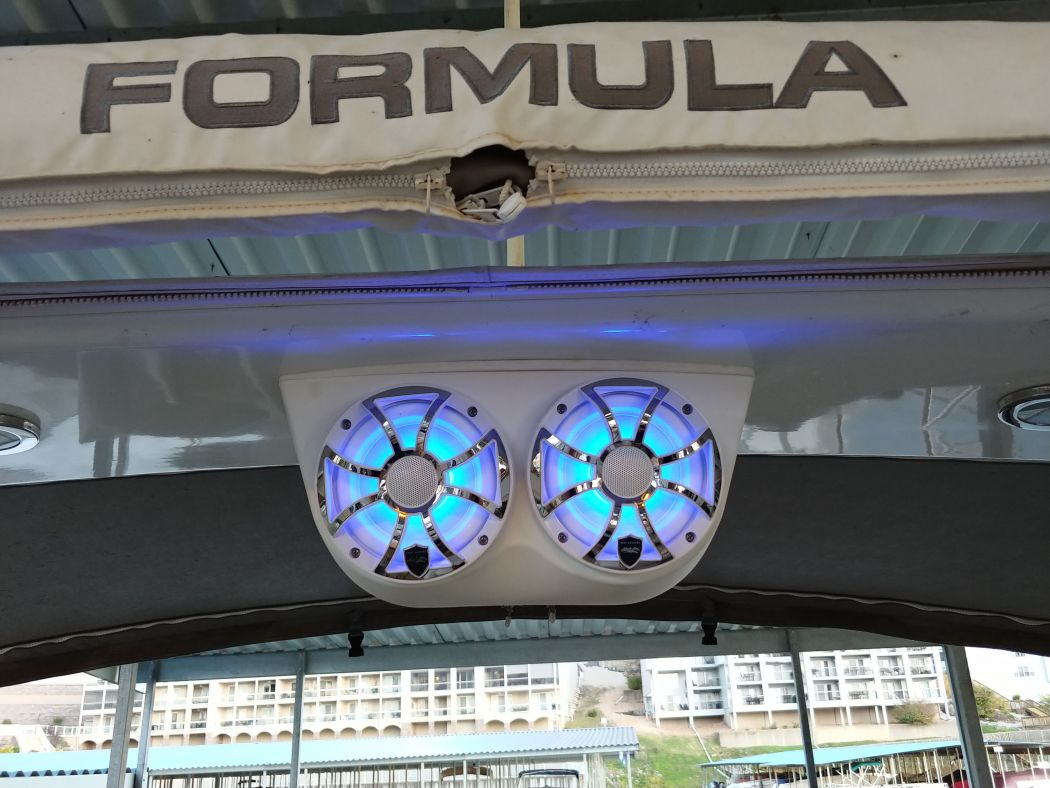 Formula 37SS Speaker LED Upgrade